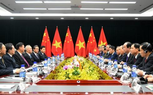 PM Vietnam, Nguyen Xuan Phuc  mengadakan pertemuan dengan Sekjen, Presiden Tiongkok, Xi Jinping - ảnh 1