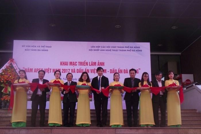 "Pameran foto: ""Tahun APEC Vietnam 2017 dan selar Vietnam-selar Da Nang"" - ảnh 1"