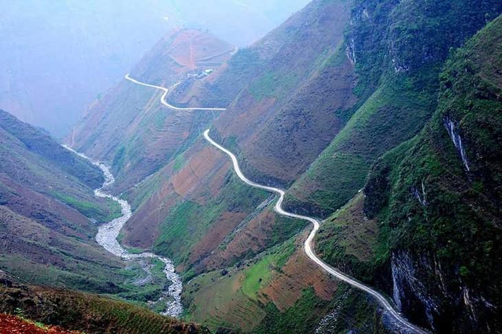 Menguak tabir Daerah DataranTinggi Karst  Dong Van, Kabupaten Meo Vac, Provinsi Ha Giang - ảnh 3