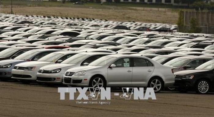 AS mengancam  akan mengenakan tarif terhadap  semua mobil impor dari Uni Eropa - ảnh 1