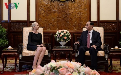 Vietnam  ingin memperkuat kerjasama dengan Nauru dan Norwegia - ảnh 2