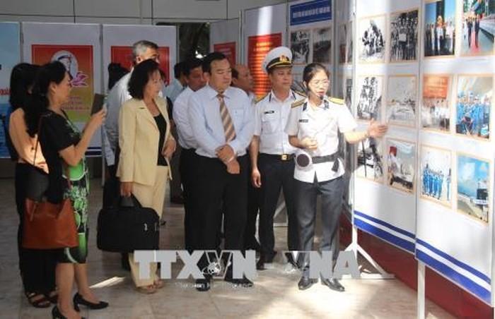 Laut dan pulau  Viet Nam: Pembukaan pameran tentang laut dan pulau, prajurit angkatan laut - ảnh 1