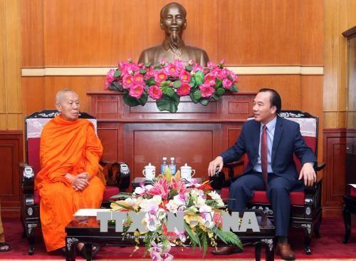 Viet Nam dan Laos memperkuat  kerjasama agama Buddha - ảnh 1