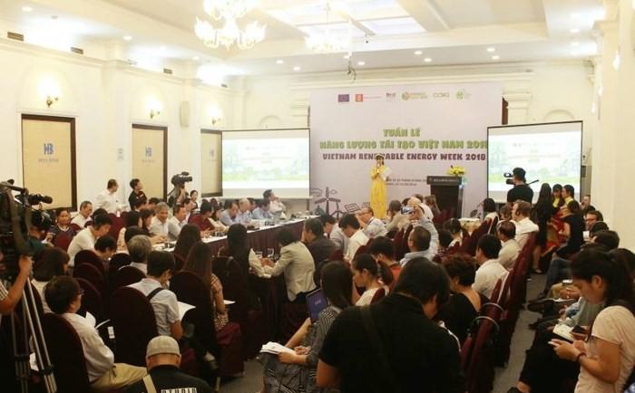 Mengawali Pekan Energi Terbarukan Viet Nam 2018 - ảnh 1