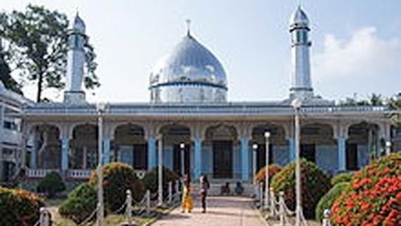 Surat ucapan selamat  Hari Raya Idul Adha dari komunitas Muslim - ảnh 1