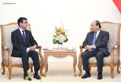 PM Nguyen Xuan Phuc secara terpisah menerima  para tamu Tiongkok, Jepang, Republik Korea  sehubungan dengan kehadiran mereka di Konferensi WEF ASEAN 2018 - ảnh 2