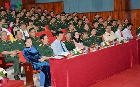 Ketua MN Vietnam, Nguyen Thi Kim Ngan menghadiri acara pembukaan  tahun kuliah 2018-2019  di Akademi Pertahanan - ảnh 1