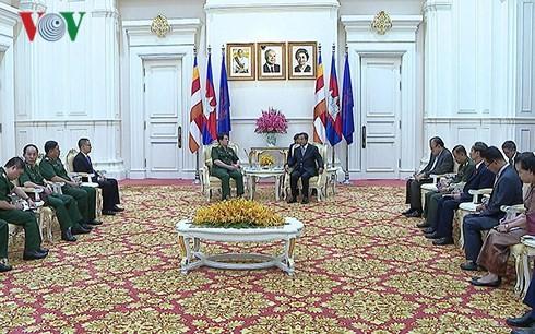 Kamboja mementingkan solidaritas, persahabatan tradisional, kerjasama  komprehensif dengan Viet Nam - ảnh 1