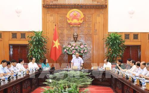PM Viet Nam, Nguyen Xuan Phuc mengadakan temu kerja dengan para pemimpin Propinsi Lang Son - ảnh 1