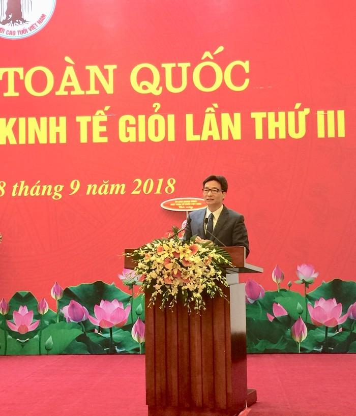 Deputi PM Vu Duc Dam menghadiri konferensi ke-3 untuk memuji  kaum lansia  tipikal yang pandai  melakukan usaha ekonomi  di seluruh negeri - ảnh 1