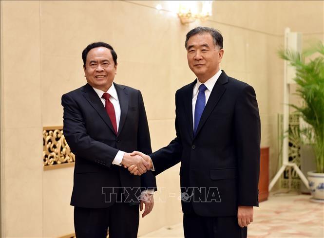 Memperkuat kerjasama antara Front Tanah Air Viet Nam dan Permusyawaratan Politik Rakyat Nasional Tiongkok - ảnh 1