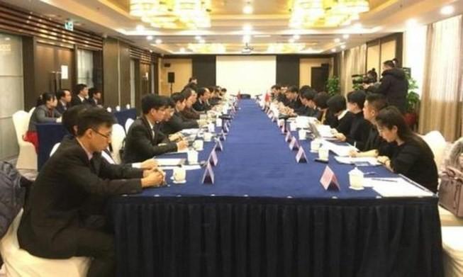Perundingan putaran ke-12 Kelompok kerja tentang kerjasama di bidang yang sedikit sensitif di laut  antara Viet Nam-Tiongkok - ảnh 1