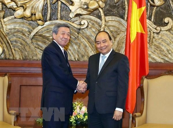 PM Viet Nam, Nguyen Xuan Phuc  menerima penjabat Sekjen Partai Liberal Demokrat Jepang, Motoo Hayashi - ảnh 1