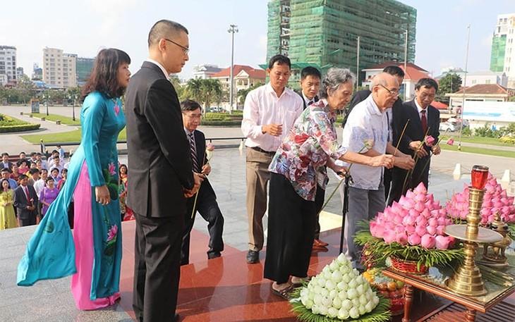Menyatakan terima kasih kepada para martir  Viet Nam di wilayah Kamboja - ảnh 1