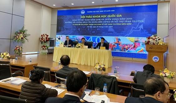 Lokakarya  ekonomi Viet Nam  2018, prospek 2019 dan  pengumuman  hasil cetakan  tentang penilaian ekonomi tahunan Viet Nam tahun 2018 - ảnh 1