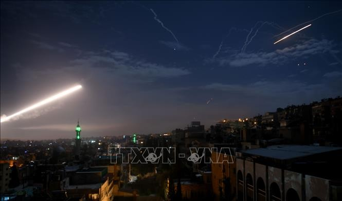 Suriah memukul mundur serangan-serangan udara Israel di Kota Aleppo - ảnh 1