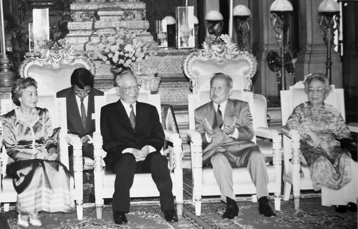 Media Kamboja dan AS menonjolkan  sumbangan-sumbangan mantan Presiden Negara Le Duc Anh - ảnh 1