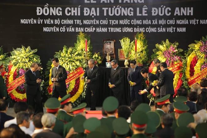Pembukaan upacara belasungkawa  kepada mantan Presiden, Jenderal Le Duc Anh - ảnh 2