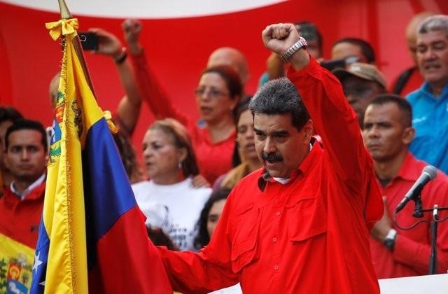 Presiden Nicolas Maduro berseru  kepada angkatan bersenjata  supaya bersatu padu  membela Tanah Air - ảnh 1