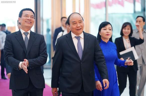 """Badan usaha teknologi Vietnam dengan slogan: Berkreasi di Viet Nam, merancang di Viet Nam, Viet Nam menguasai teknologi dan  berinisiatif dalam produksi"""" - ảnh 1"""