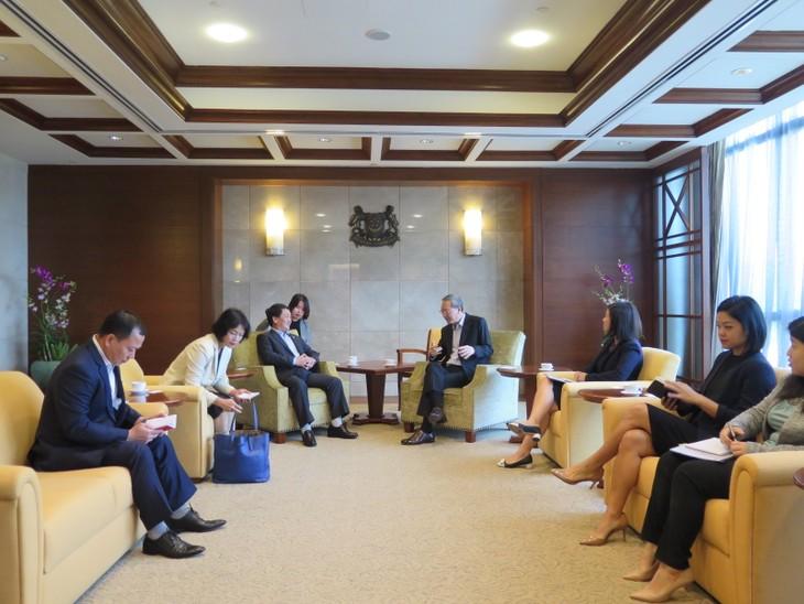 Viet Nam dan Singapura memperhebat kerjasama temu pergaulan rakyat dan kebudayaan - ảnh 1
