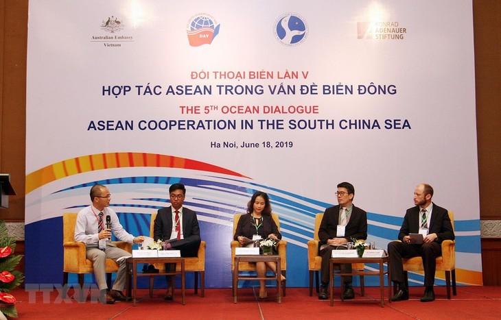Mencari solusi mendorong kerjasama ASEAN dalam  masalah Laut Timur - ảnh 1