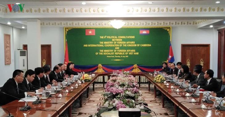 Pembukaan Konsultasi Politik  Viet Nam-Kamboja kali ke-6 - ảnh 1