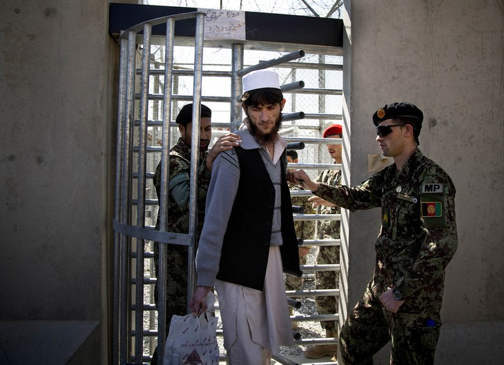 Afghanistan insists on releasing prisoners - ảnh 1