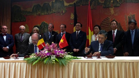 Belgium pledges to work with Vietnam in coping with climate change - ảnh 1