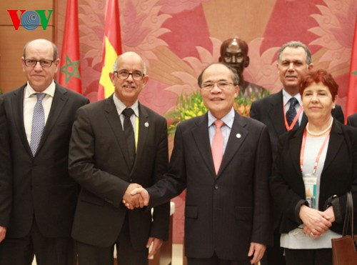 NA Chairman Nguyen Sinh Hung receives Moroccan Parliamentary Speaker - ảnh 1
