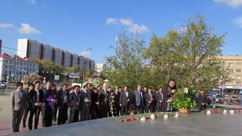 NA Vice Chairwoman Tong Thi Phong visits Russia - ảnh 1