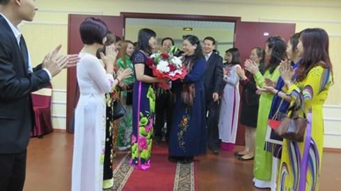 NA Vice Chairwoman Tong Thi Phong visits Russia - ảnh 2