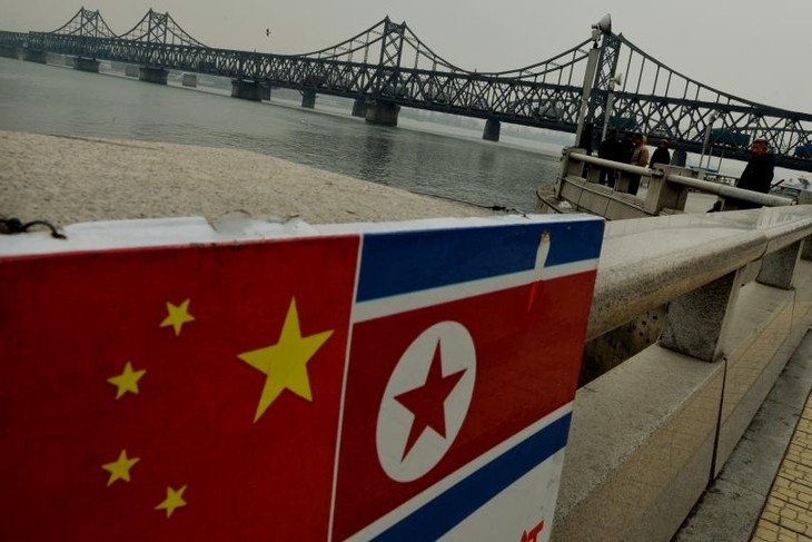 China announces trade restrictions with North Korea - ảnh 1