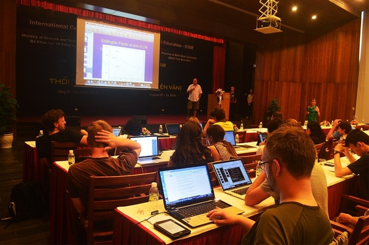 International Physics Conference opens - ảnh 1