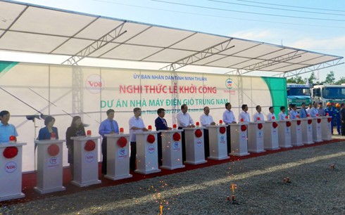 Ninh Thuan begins construction of first wind-power plant  - ảnh 1