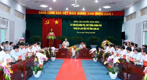 Long An province urged to boost economic restructuring - ảnh 1