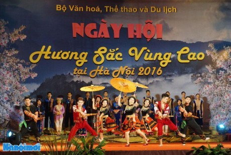Ethnic culture promoted in Hanoi - ảnh 1
