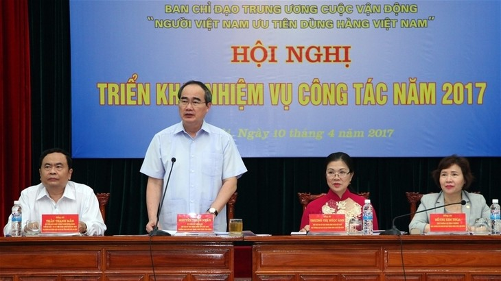 Vietnamese people encouraged to use made-in-Vietnam products - ảnh 1