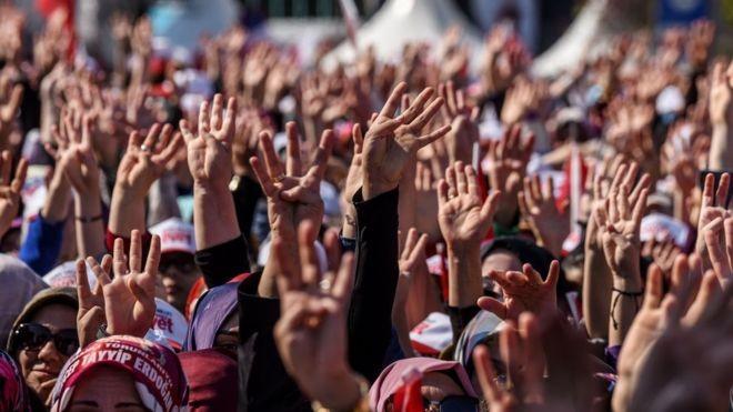 Turkey referendum on presidential powers under way - ảnh 1