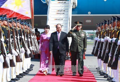 Vietnam contributes to success of ASEAN summit - ảnh 1