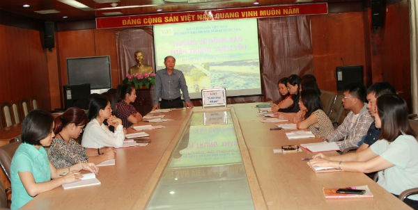 VOV5 gives a helping hand to flood-hit central region - ảnh 1