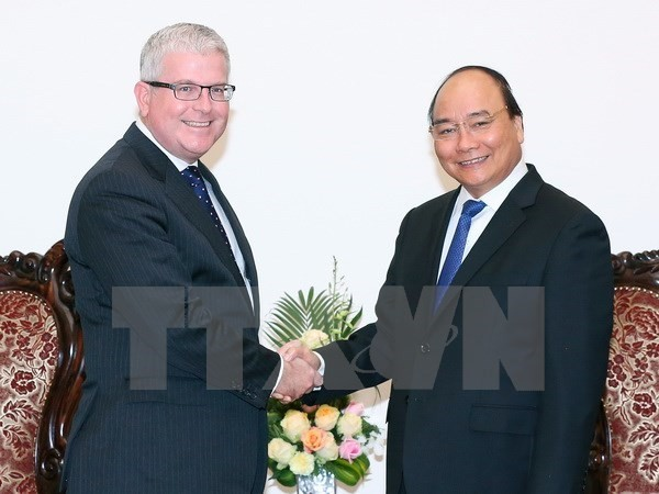 PM receives newly accredited French, Australian Ambassadors - ảnh 2