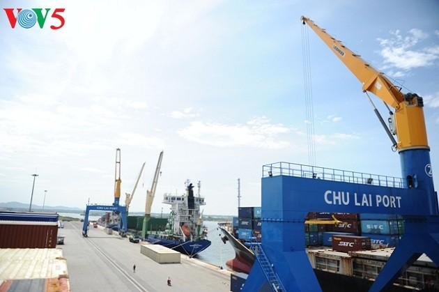 Chu Lai port, a key logistics hub in the central region - ảnh 1