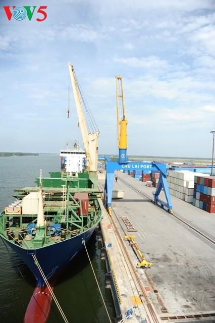 Chu Lai port, a key logistics hub in the central region - ảnh 2