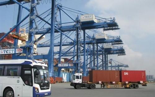 Developing logistics service in Vietnam - ảnh 1