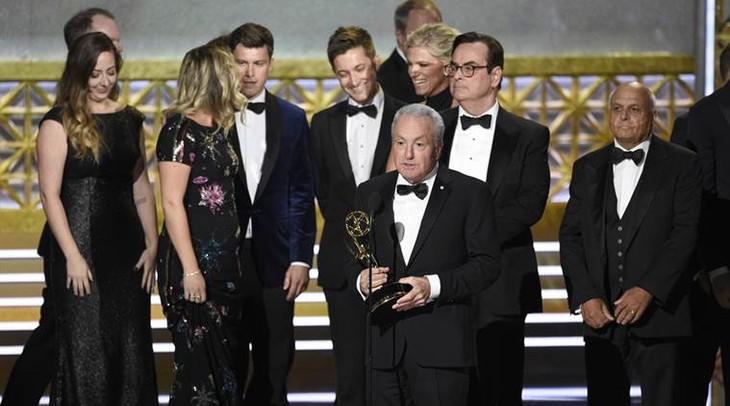 The 2017 Emmy Awards ceremony - ảnh 2