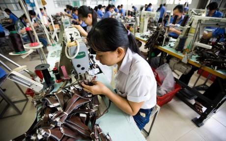 More transparent, favorable business climate improves Vietnam' competitiveness - ảnh 2