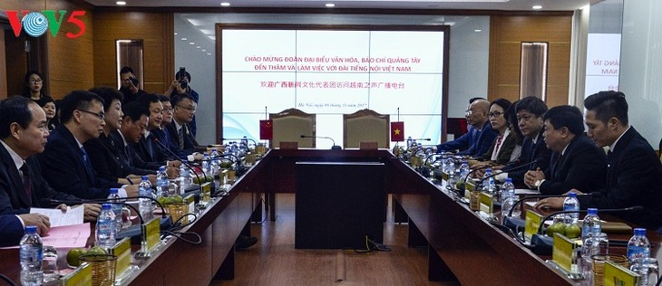 VOV, Guangxi People's Radio Station boost exchanges - ảnh 1