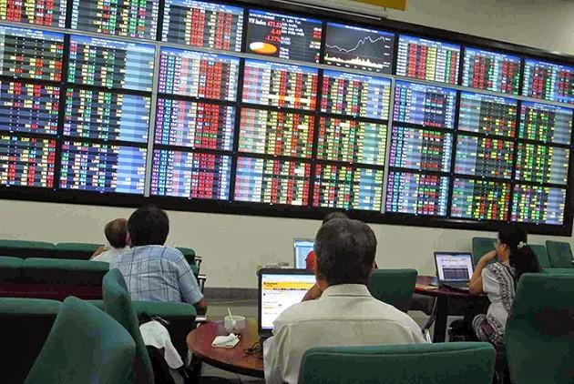 Vietnamese stock market eyes development trends - ảnh 1