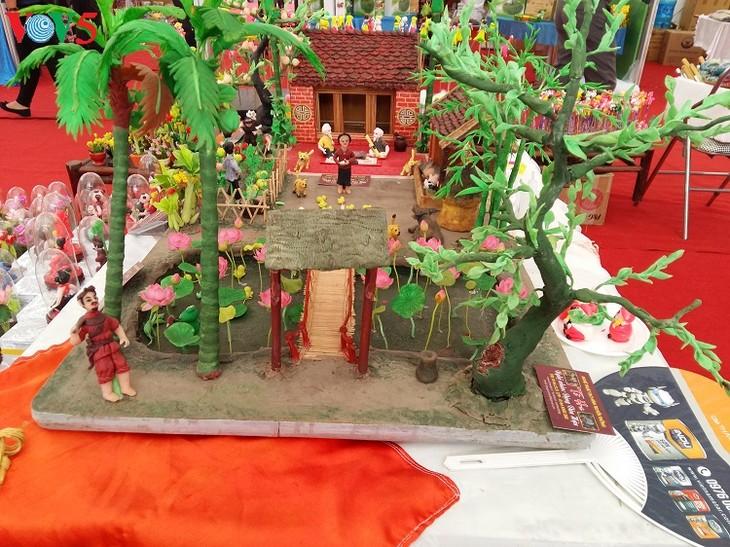 Rice powder figurine making in Xuan La village - ảnh 1